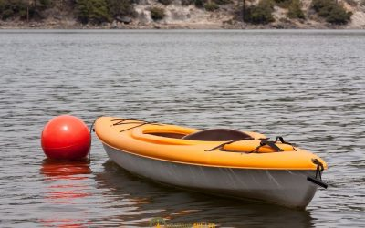how-to-anchor-a-kayak-without-a-trolley